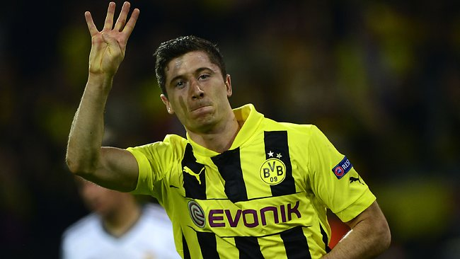 Lewandowski, the only player to score 4 goals against Real Madrid in European competitions