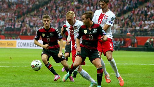 Germany fall to Lewandowski and Poland : Official FC Bayern News